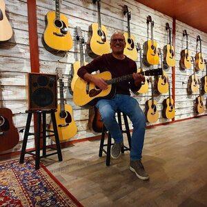 #repost @soumanmusic ・・・ #acusamp #acusamps #acustico #acussoundengineering #acousticguitar  ❤🎸