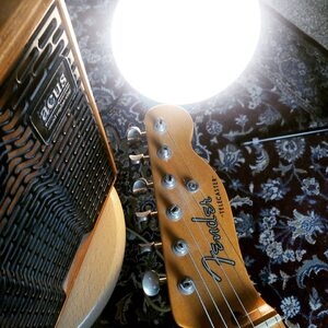 #repost @guillaumesimonjazz ・・・ #telemonday🔔 . . . .  . #jazz #chordmelody #chordmelodyimprovisation #sologuitar #sologuitarist #guitarists #telecaster #telecasterlovers #fender #telecasterjazz #jazzguitar #solojazzguitar #coursdeguitarevisio #aixmaville #beardstyle #coursdeguitareaixenprovence #jazzstandard #acusamps #guitaristofinstagram #jazzaixenprovence  #ambiance #guitare